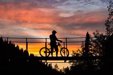 Vélo de montagne au Bec-Scie
